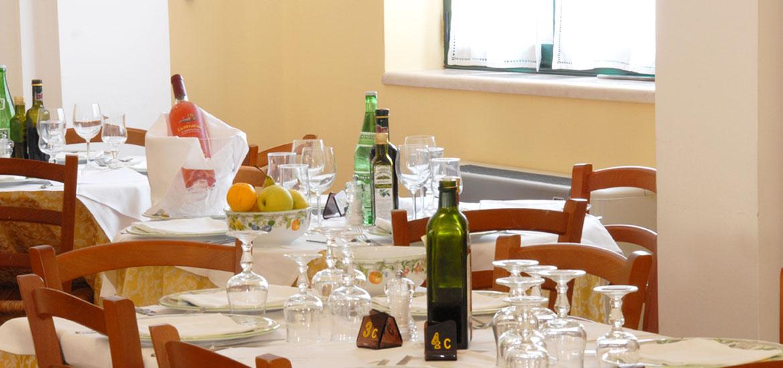 Hotel con ristorante per vacanze sul mare a rodi garganico in puglia hotel il tramonto sul gragano - Mare in tavola foggia ...